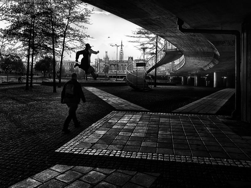 Jonny Ullström - Under bron